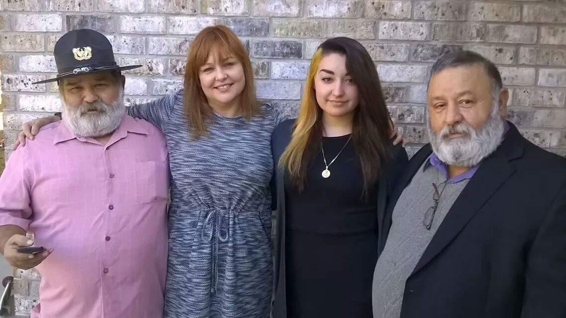 Jose with niece Dina, julia and brother